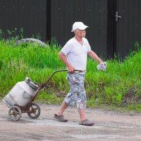 Дедушка с флягой :: A. SMIRNOV