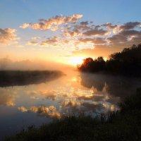 Встречая новый день вставало солнце над речной волною... :: Павлова Татьяна Павлова
