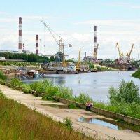 В самом начале Окской набережной в г. Дзержинск :: Андрей Головкин