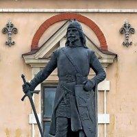 Памятник основателю Выборгского замка :: Сергей
