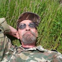 И средь не кошенной травы мне снился сон о дальнем детстве.. :: Андрей Заломленков