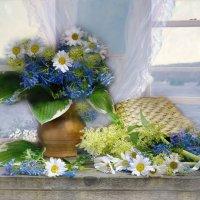 В светлом море цветов, безмятежно-бескрайнем... :: Валентина Колова