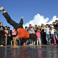 Уличные танцы :: Павел Данилевский
