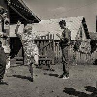 Безумный танец :: Андрей Холмов