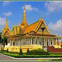 Тронный зал короля Камбоджи :: Евгений Печенин
