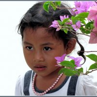 Девочка в цветах :: Евгений Печенин