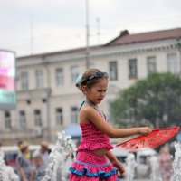 Будний день возле фонтана :: Валерия Похазникова