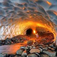 Ледяная пещера :: Наталья Лукашова