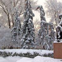 Памятник И. А. Гончарову :: Владимир Новиков