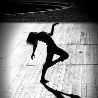 Отдаваясь танцу :: Александр Захаров