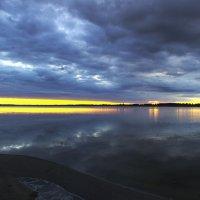 Вечернее озеро :: Роман Романов