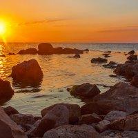 Рассвет на море :: Глеб Буй