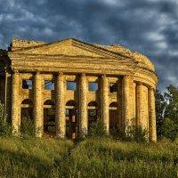 Развалины церкви Пресвятой Троицы :: Николай Т