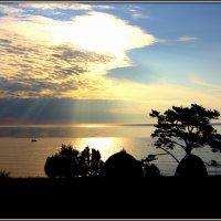 Ночь на Байкал не спеша опустилась, небо на воду как-будто ложилось..... :: Марина