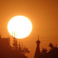 Церковь и закат :: Aleksandra Gerasimova