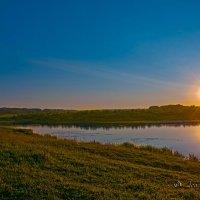 Закат над озером :: Leonid Krasnov
