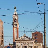 Святой Антоний в электрической сети. Милан. :: Виталий Авакян