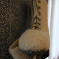 Коньки на стене :: Наталья Золотых-Сибирская