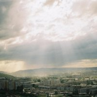 The rays are rayning cats and dogs and citizens... :: Павел Шестаков