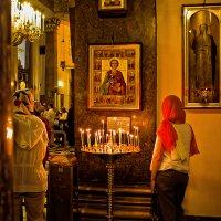 Молитва о здравии у иконы св.Пантелеймона :: Валентин Яруллин