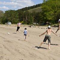 Пляжный футбол :: юрий Амосов