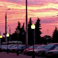 приходит вечер в город :: Александр Прокудин