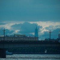 Питер башня газпрома как монстр выглядит взгляд через Литейный мост :: Юрий Плеханов