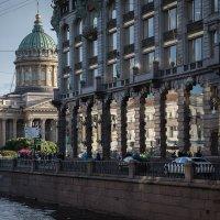 Дом книги и Казанский собор в СПб :: Андрей Илларионов