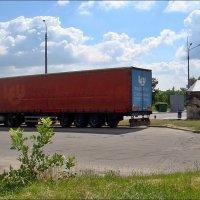 Возле бензозаправки :: Нина Корешкова