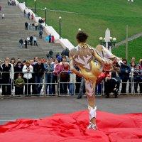 Гимнастика у стен Чкаловской лестницы :: Андрей Головкин