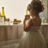 С вашими свадьбами и покушать некогда :: Евгений Косин