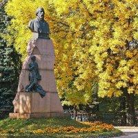 Памятник И.Н.Ульянову. Ульяновск :: MILAV V