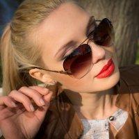 Очки с девушкой :: Юрий Плеханов