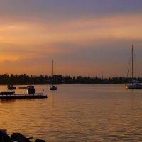 Вечер в акватории яхтклуба :: M Marikfoto