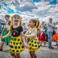 Детское счастье... :: Юрий Яньков