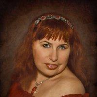 Женщина в красном Просто прекрасна, В ней всё смешалось: Смех и беда, Время над нею Словно не властн :: ALISA LISA