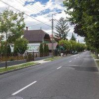 Маленький городок. Улица днем :: Gennadiy Karasev