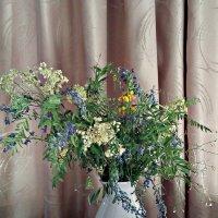 Цветы луговые в неволе не живут... :: Марина Шанаурова (Дедова)