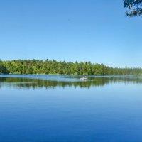 на озере :: Елена Медведева