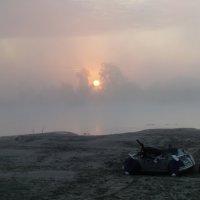 Утро туманное. Восход солнца. :: Elena Sartakova