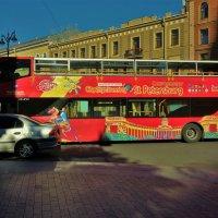 Питерский экскурсионный автобус... :: Sergey Gordoff
