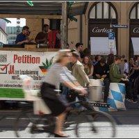 Мюнхен. Шествие в поддержку энергетика из марихуаны :: Михаил Розенберг
