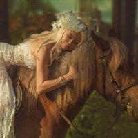 девушка и лошадь :: Татьяна Семёнова