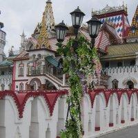 Фонарь в цветах :: Дмитрий Никитин