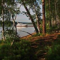 Как белый лебедь приплылА  большая лодка из Байкала... :: Александр Попов