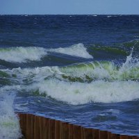 Грохочет шторм, бушуют волны... :: Маргарита Батырева