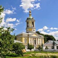 Надвратная колокольня с церковью Дмитрия Ростовского :: Анатолий Колосов