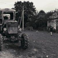Гоночный трактор. Монохром :: Николай Семёнов