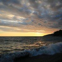 Море перед непогодой :: valeriy khlopunov