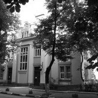 Городская   поликлиника   в   Ивано - Франковске :: Андрей  Васильевич Коляскин